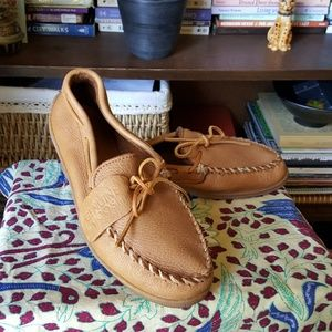 Minnetonka moose leather soft slipper moccasins